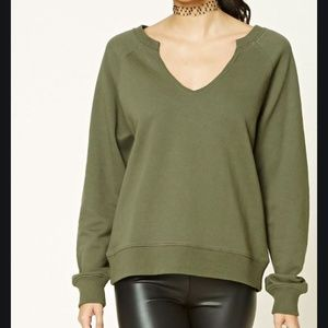 Forever21 Low V-Neck Raglan Sweatshirt (Small)
